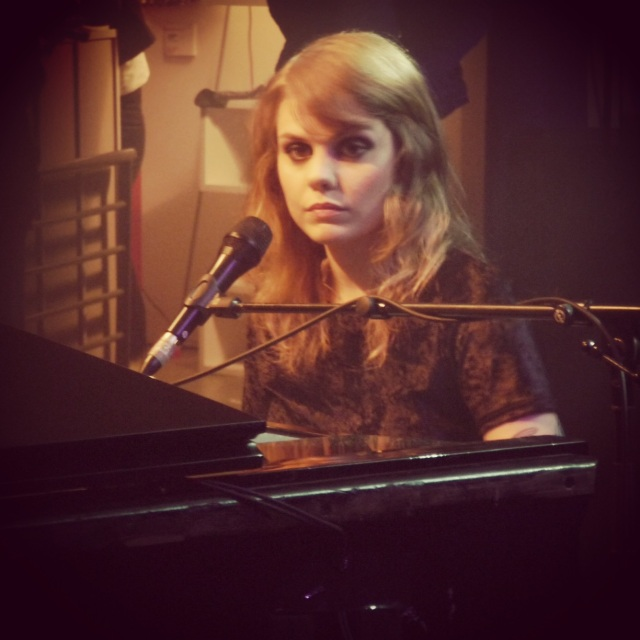 Coeur de Pirate x 3 Suisses-Showcase à La Cigale