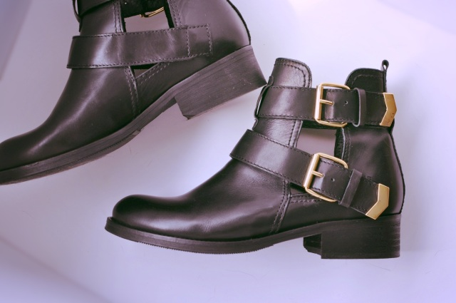 Cut Out Boots-Sacha Shoes