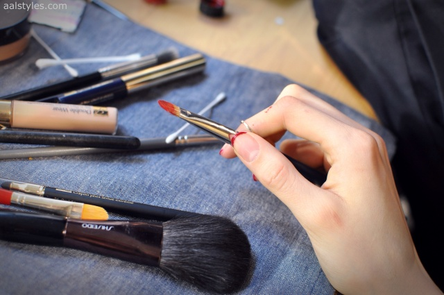 Vaccarello Fall-Winter 2014 2015-Backstage Estee Lauder 11