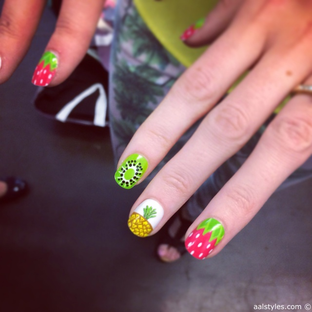 10.Nailart-Fruits