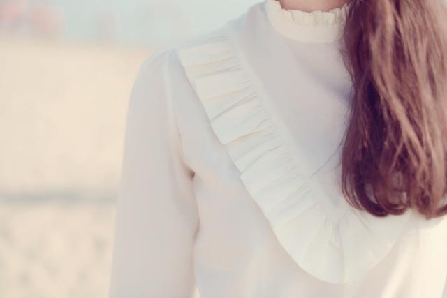 Chemise à volants-Pantalon cuir loose et une taille élastiquée-Isabel Marant-2