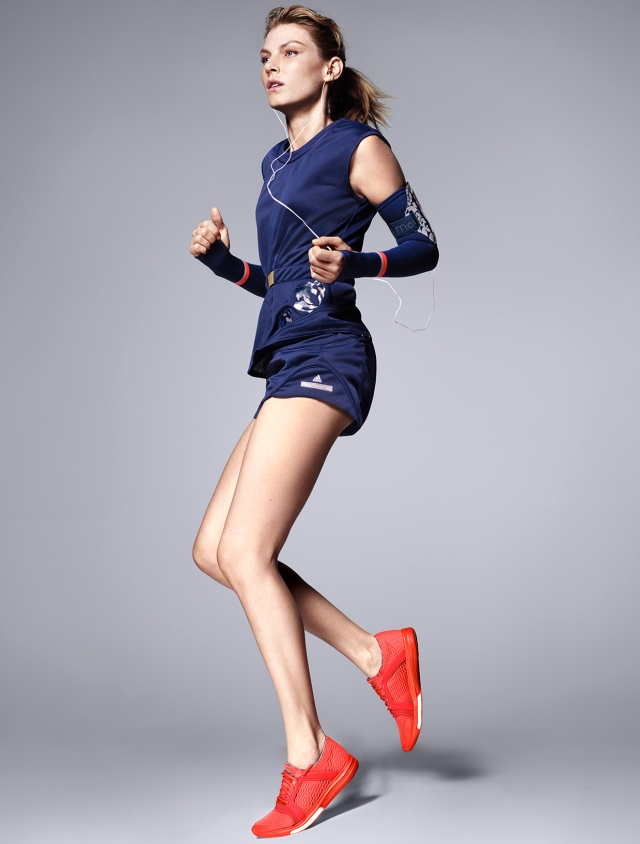 2015_adidas by_Stella McCartney_FW15_Campaign_Run_03