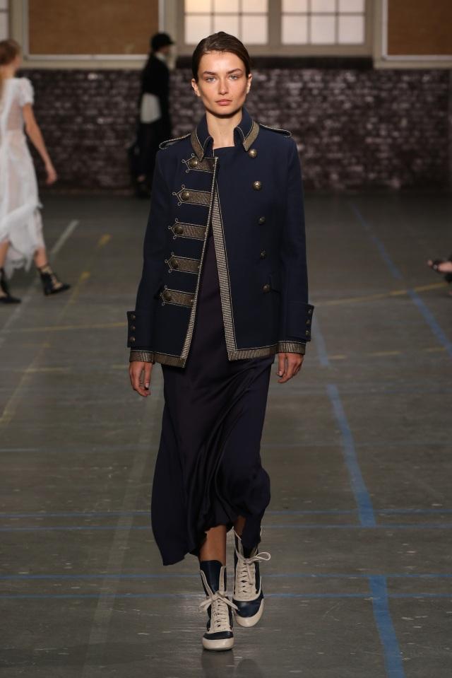 John Galliano-FW16-Fashion Week-Lycée Carnot-1