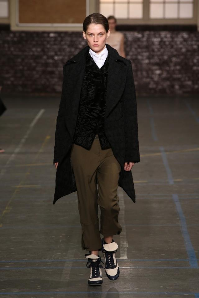 John Galliano-FW16-Fashion Week-Lycée Carnot-2