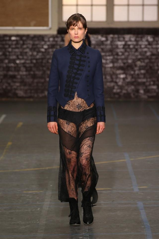 John Galliano-FW16-Fashion Week-Lycée Carnot-3